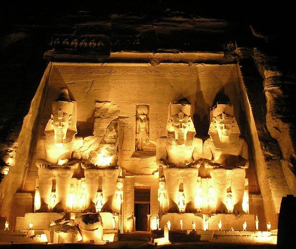 EL HILO DE LOS CUMPLEAÑOS - Página 5 Abu-simbel-egipto-full