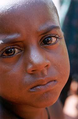 niños+con+ojos+tristes
