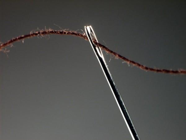 enhebrar-aguja-600x450